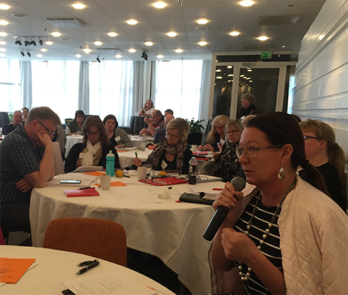 Lenita Granlund vid möte med avtalsdelegationen för Sveriges Kommuner och Landsting 14 april 2016.